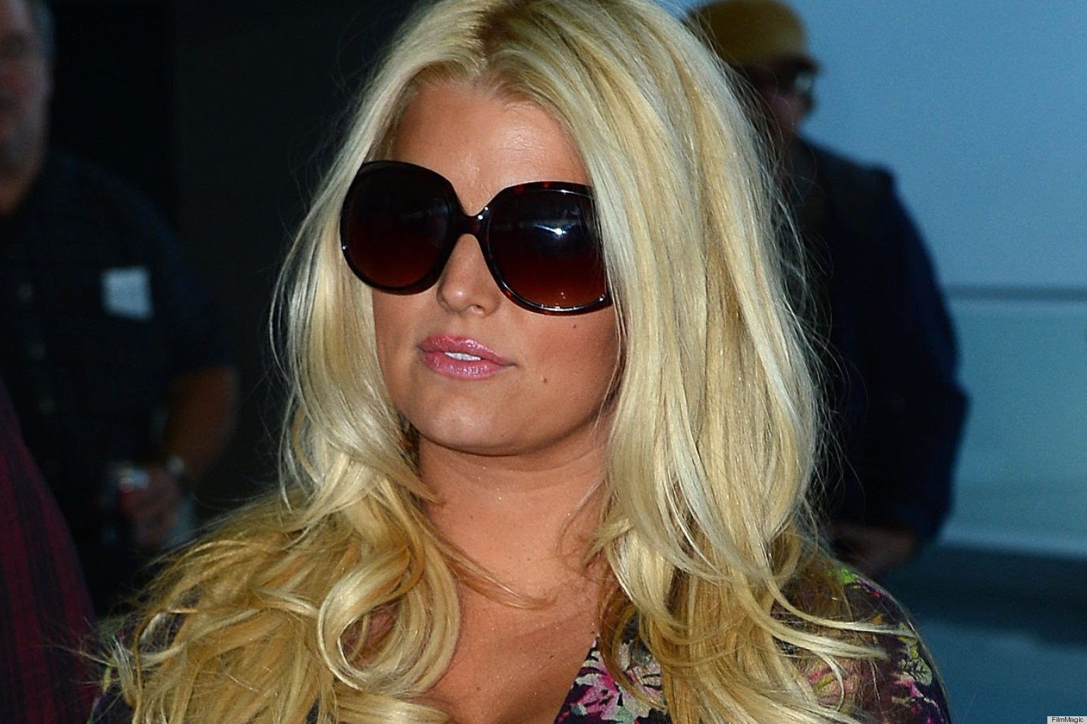 Jessica Simpson Gives Up On High Heels During Pregnancy... Again