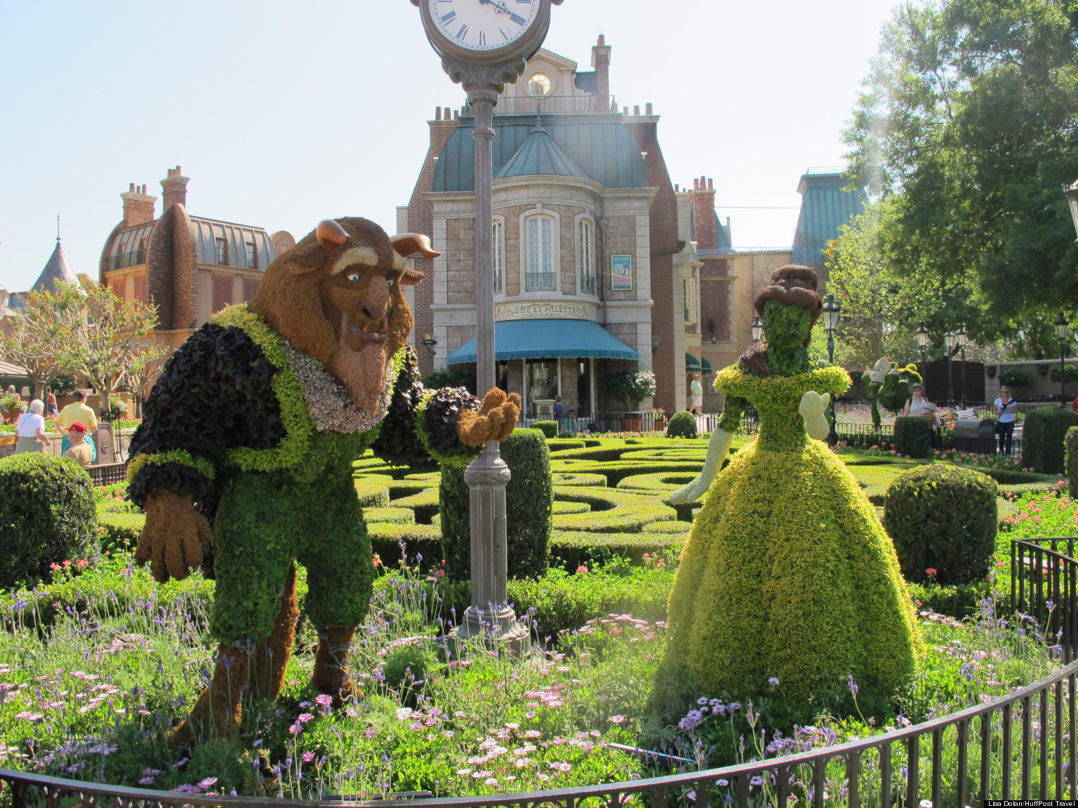 Disney Characters Come To Life As Topiaries At Epcot