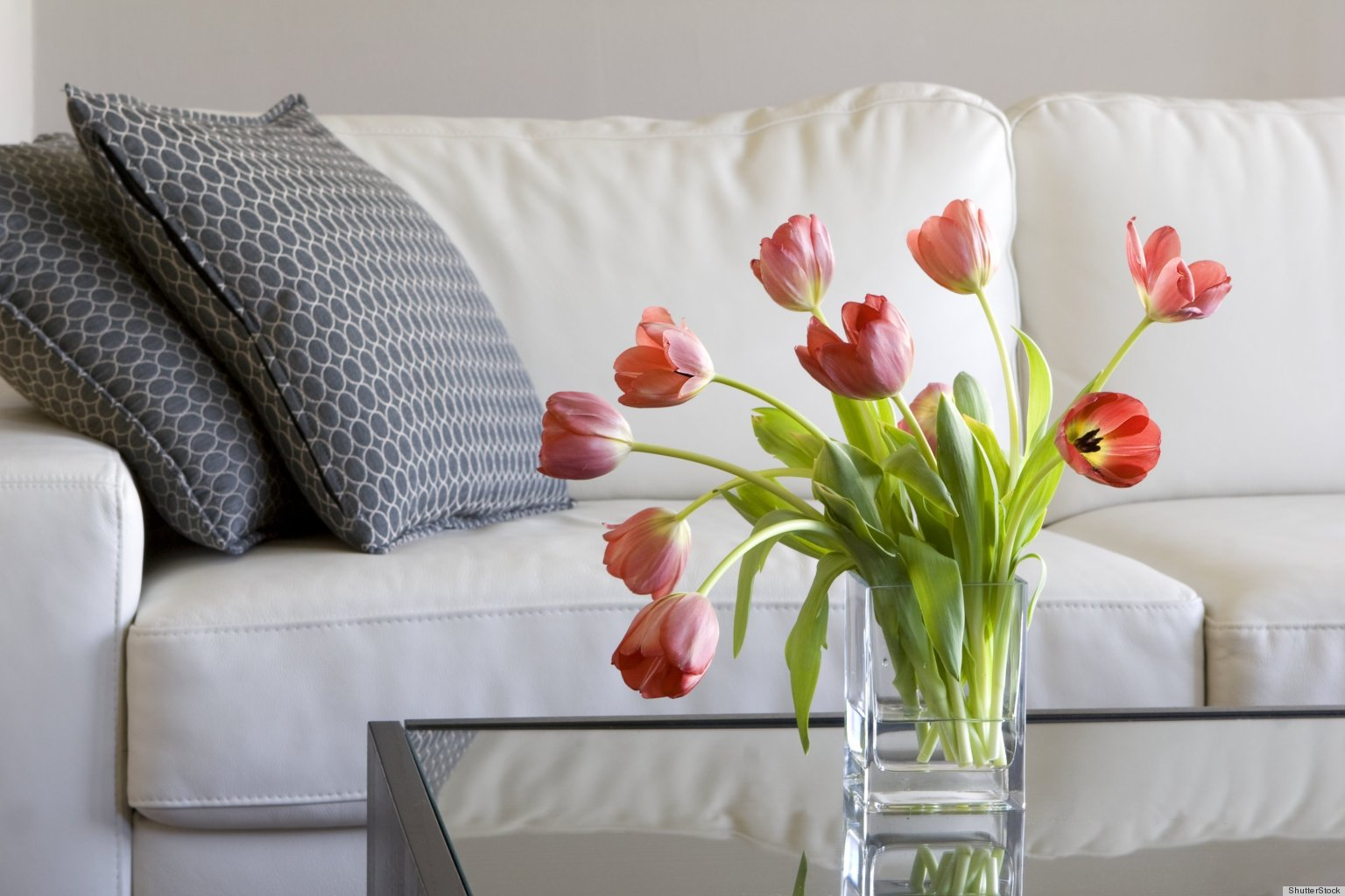 The mental health benefits of flowers photos huffpost - Vase de decoration interieur ...