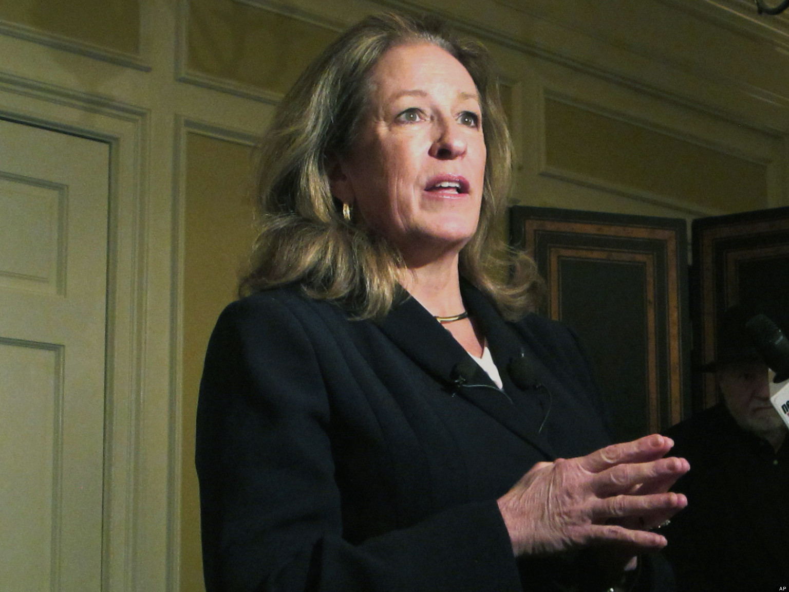 Elizabeth Colbert Busch, Mark Sanford In Tight Race: Poll