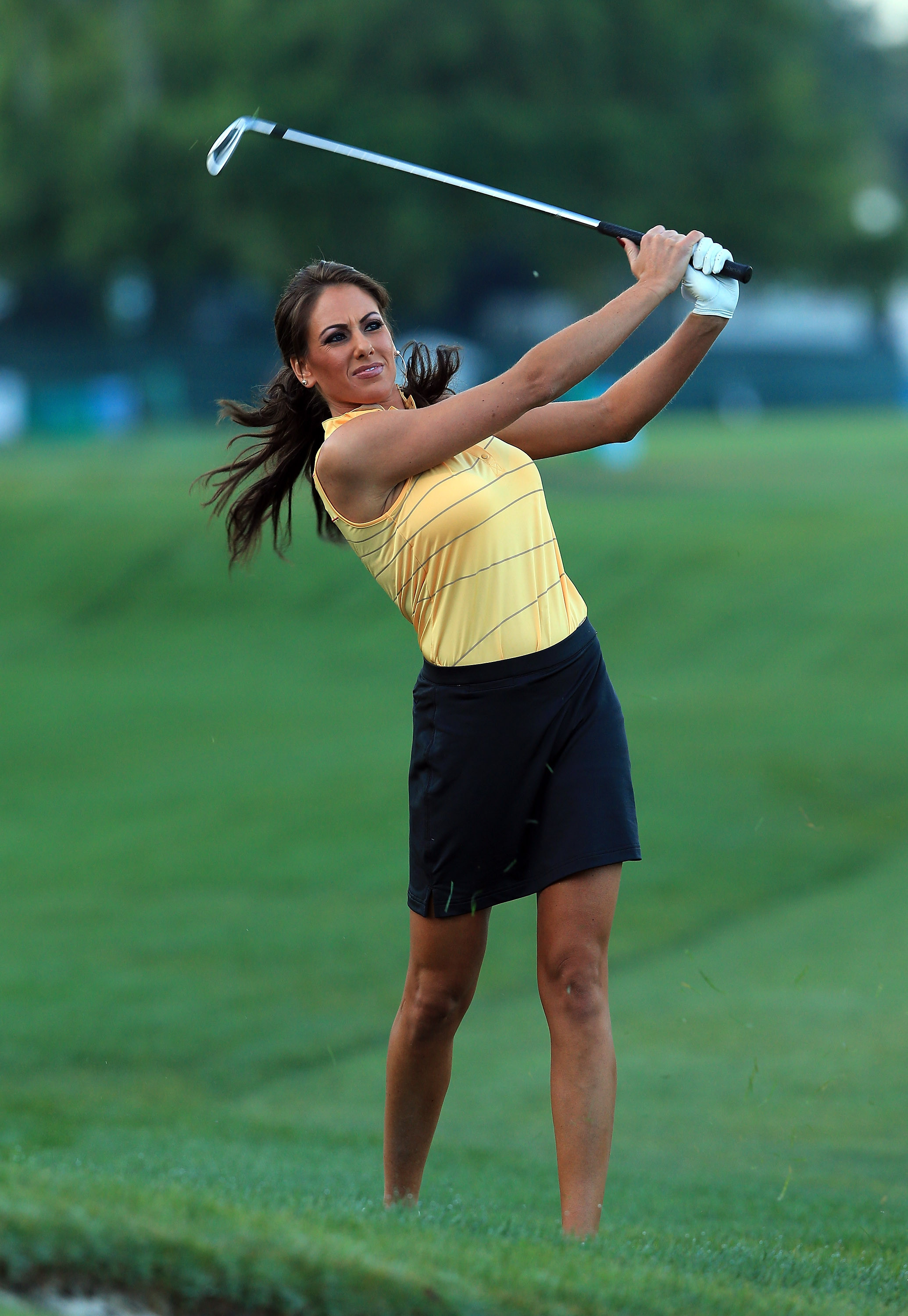 Holly Sonders is a reporter and TV host for FOX Sports and a featured reporter during FOXs USGA broadcasts Formerly a TV analyst for Golf Channel Sonders has