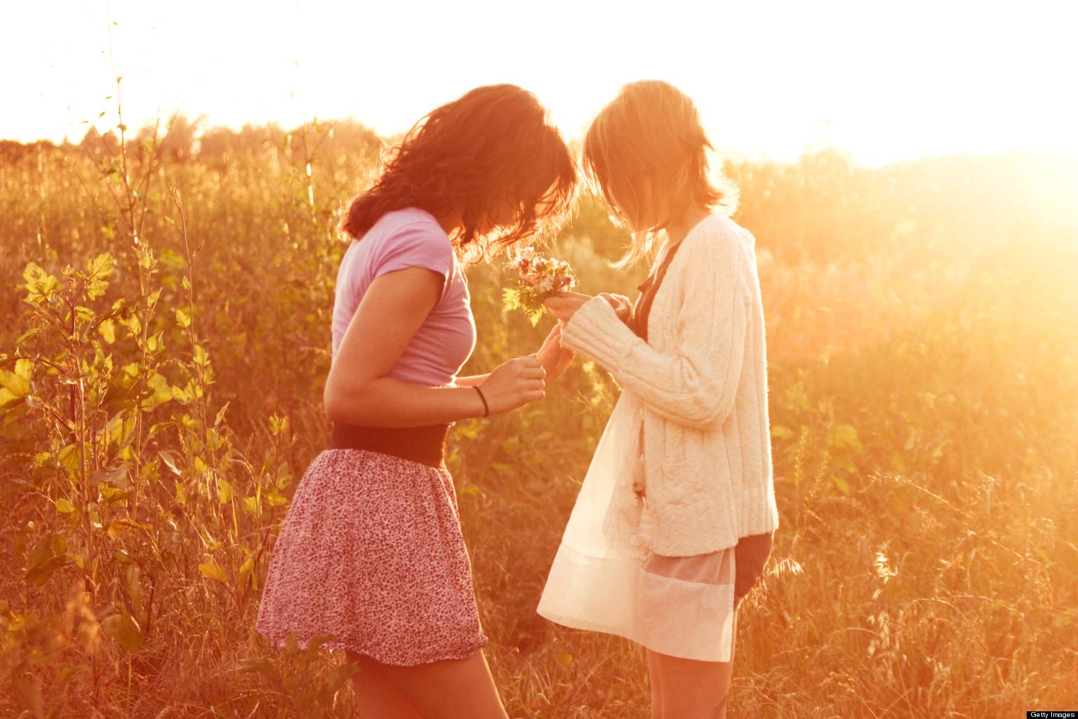 Zwei Mädchen küssen compliation Collage Lesben