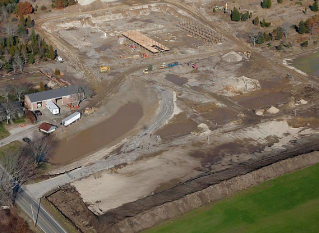 Matt lauer 39 s horse farm plans are reined in photos for Horse farm design