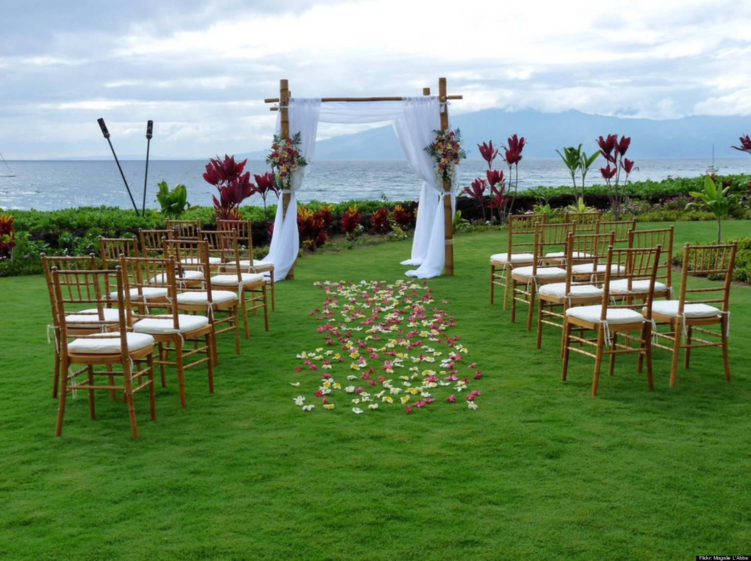 Destination weddings 10 relaxing resorts for a stress for Outdoor wedding ceremony venues
