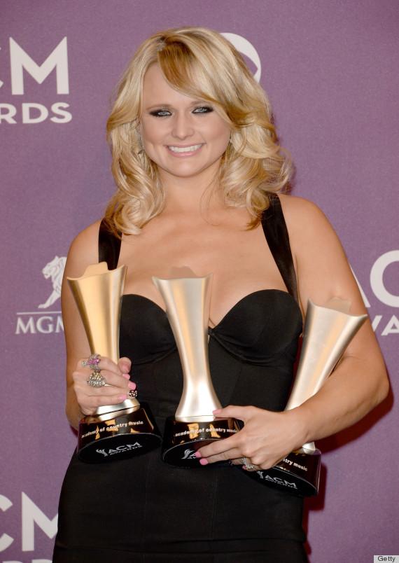 Miranda Lambert's ACM Awards Dress Was A Very Risky Choice (PHOTOS)