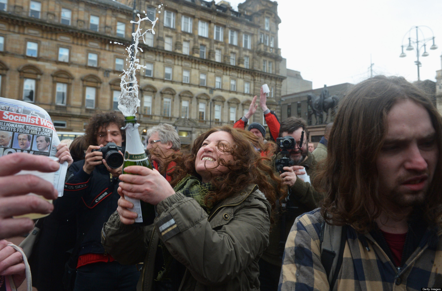 margaret thatcher dead parties  celebrate  pms passing pictures
