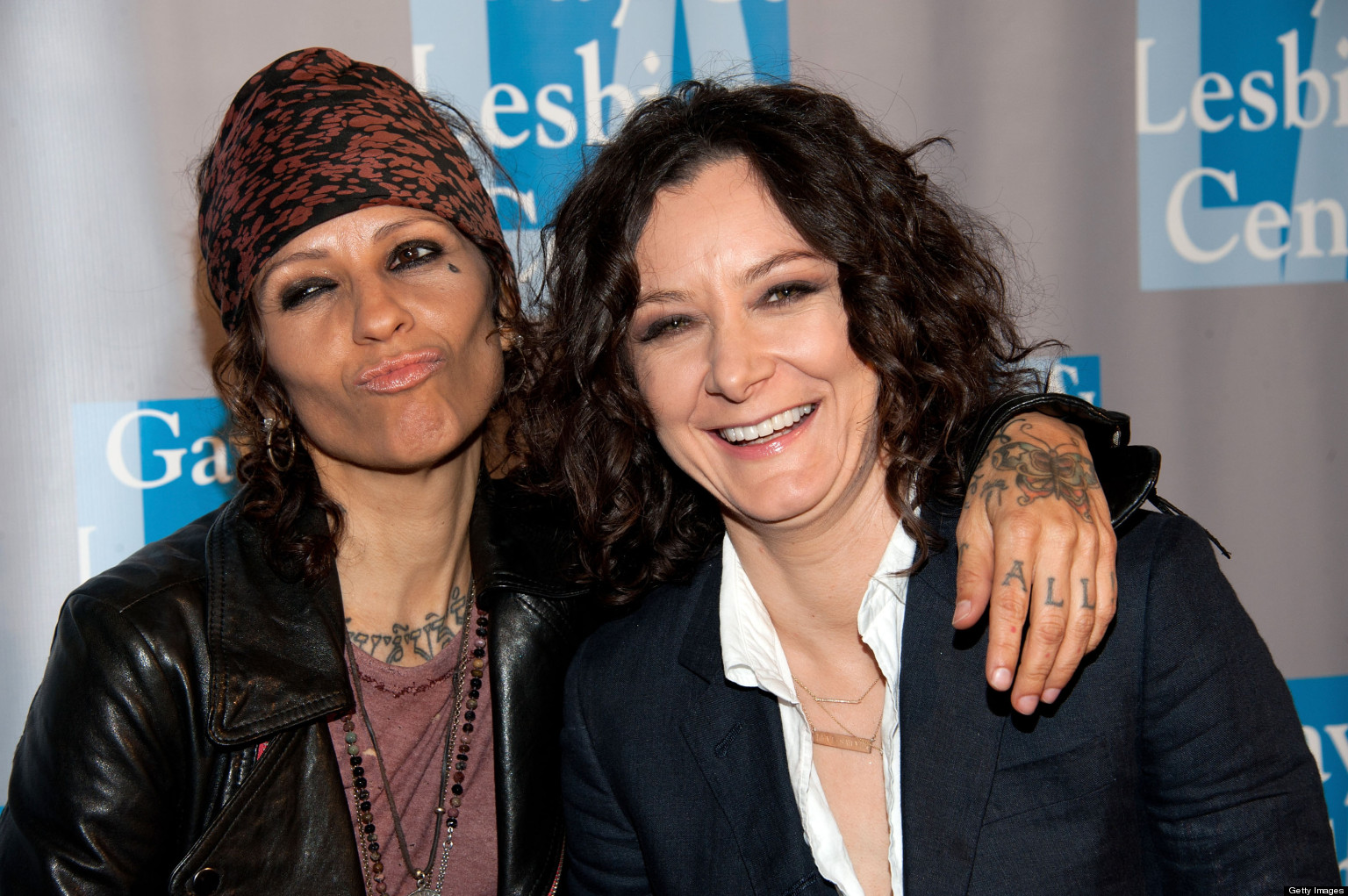Sara Gilbert wedding ring