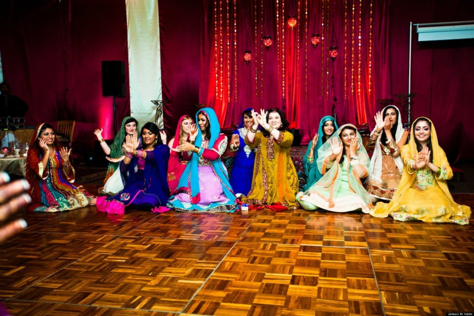 Mehndi ceremonies the world 39 s first bridal shower huffpost for Muslim wedding home decorations