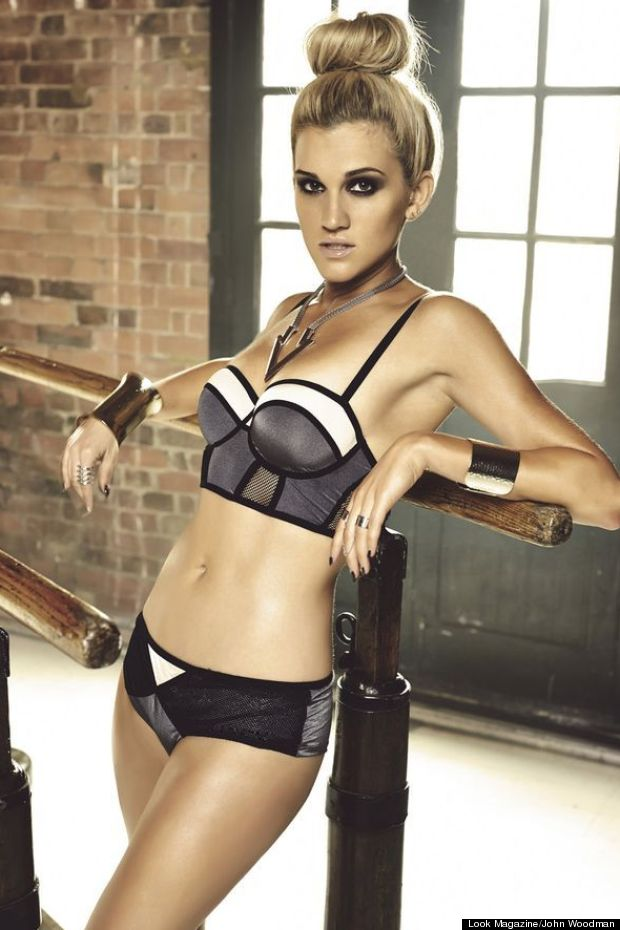 ashley roberts look magazine