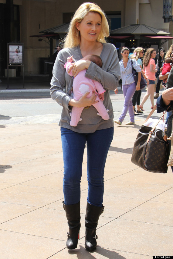 Holly Madison S Post Baby Body Playboy Star Shows Off