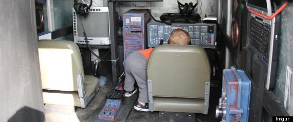 DAD BUILDS SPACESHIP SIMULATOR FOR SON