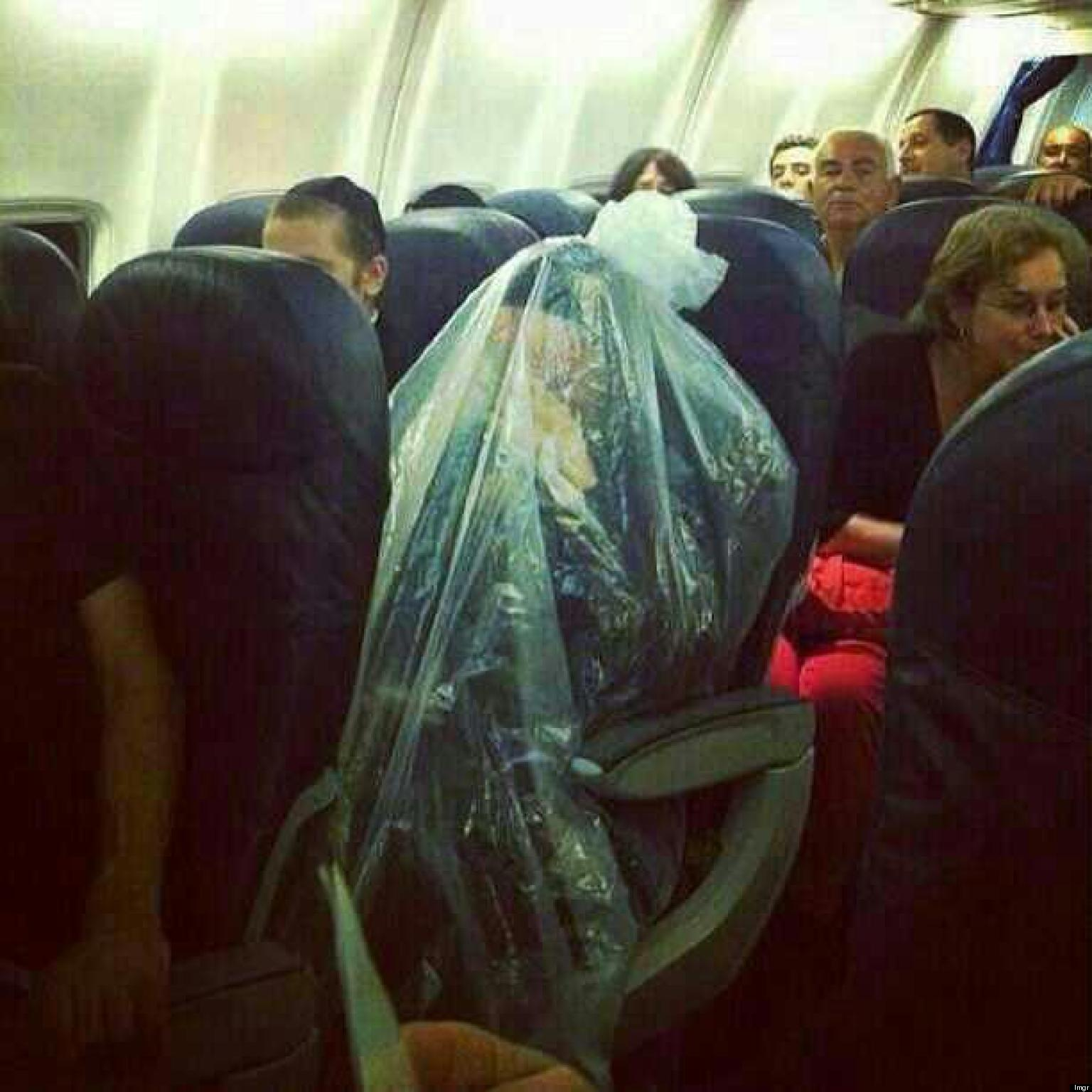 plane on in plastic Woman bag
