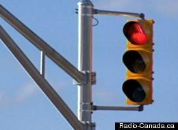 Le virage à droite au feu rouge a-t-il causé une hausse des accidents?