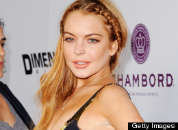 We LIKE! Lindsay Lohan stuns in a Dolce & Gabbana dress at the Scary Movie 5 premiere (PHOTOS)