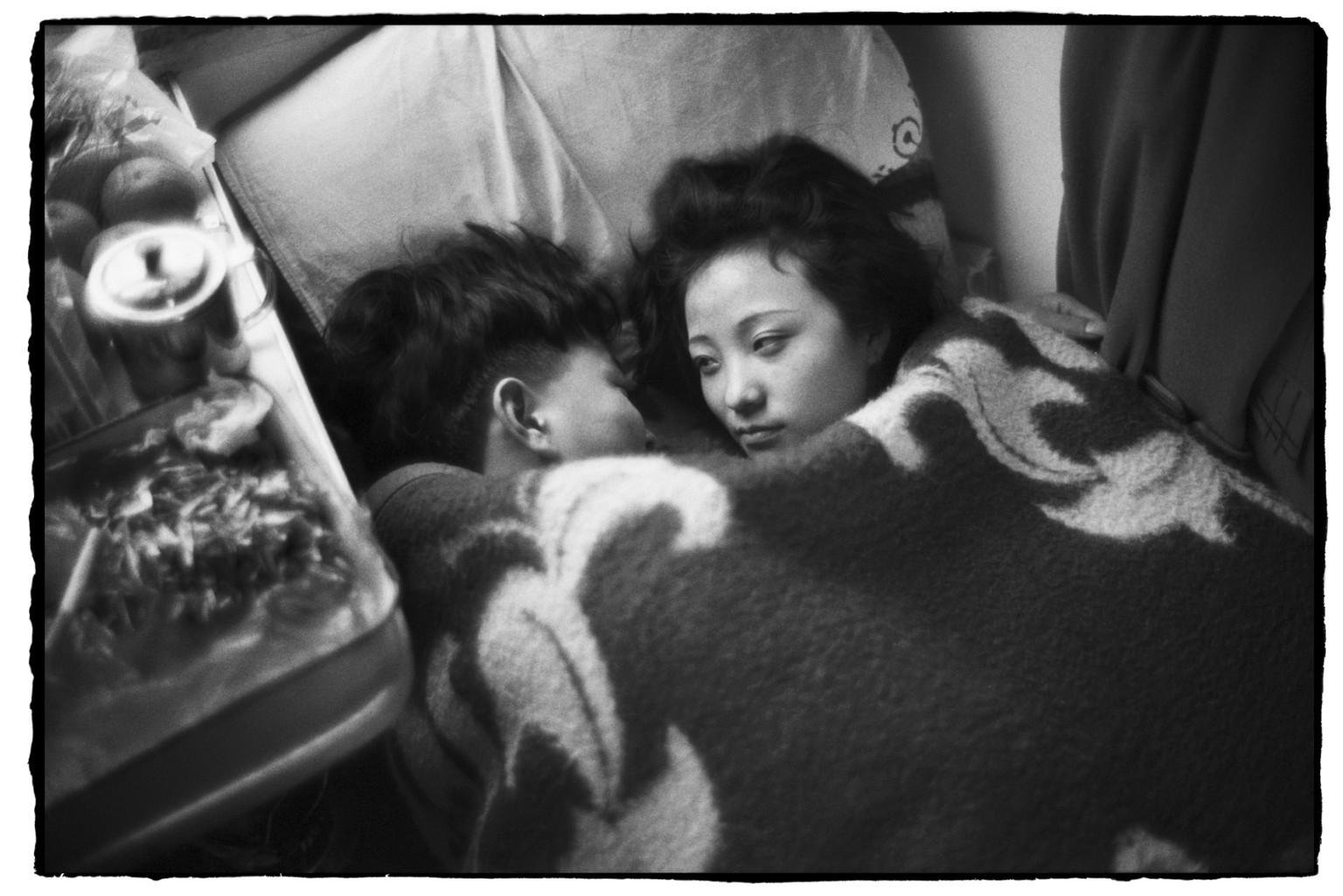 Секс пассажиров в поезде 15 фотография