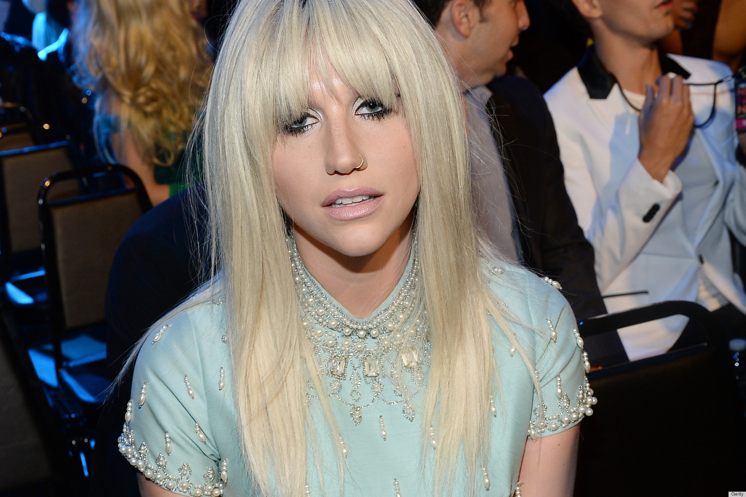 Ke$ha Looks Almost All-Natural With Minimal Styling ...