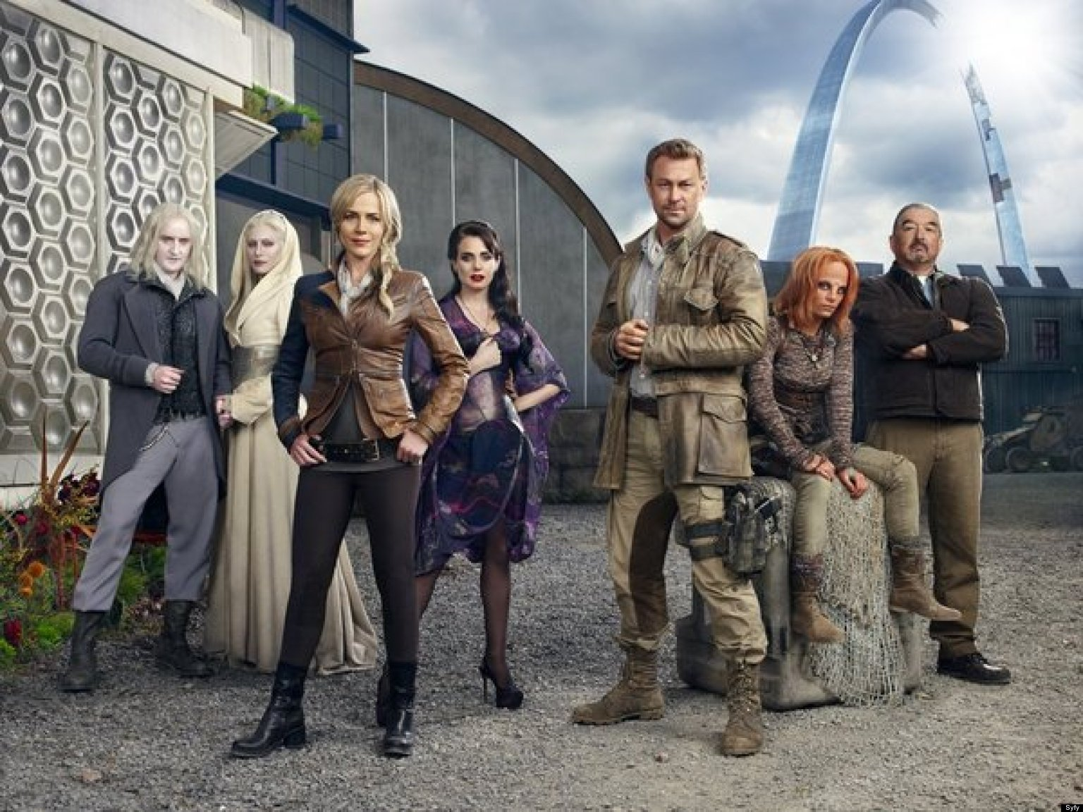 Defiance Review New Syfy Drama Comes Out With Guns