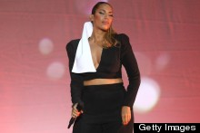 Fashion Fail: Leona Lewis' Monochrome Stage Style