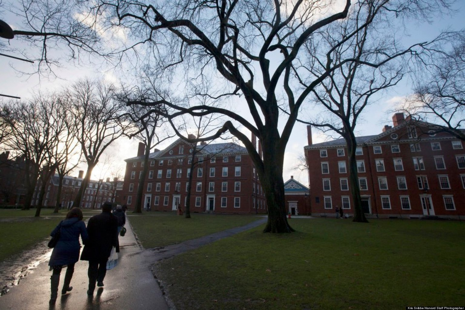 Harvard Students Criticize University Response to Marathon Explosions, Cambridge Bomb Threats