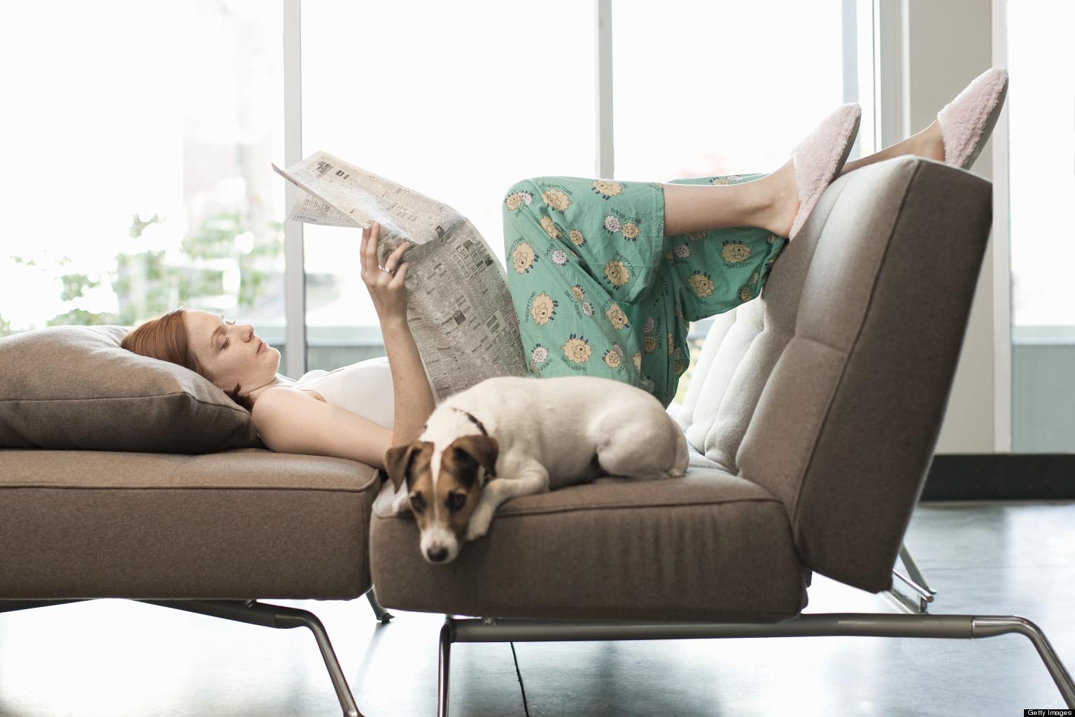 Ффото девушек на фиване читающих книги 11 фотография