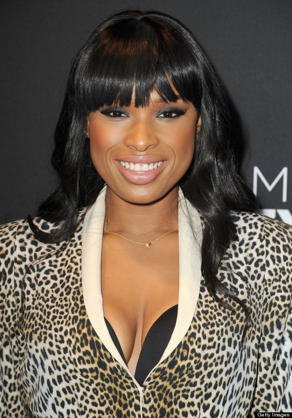 Oops or style? Jennifer Hudson's bra pops out, but she's still INCREDIBLY SEXY (SNAPSHOT)