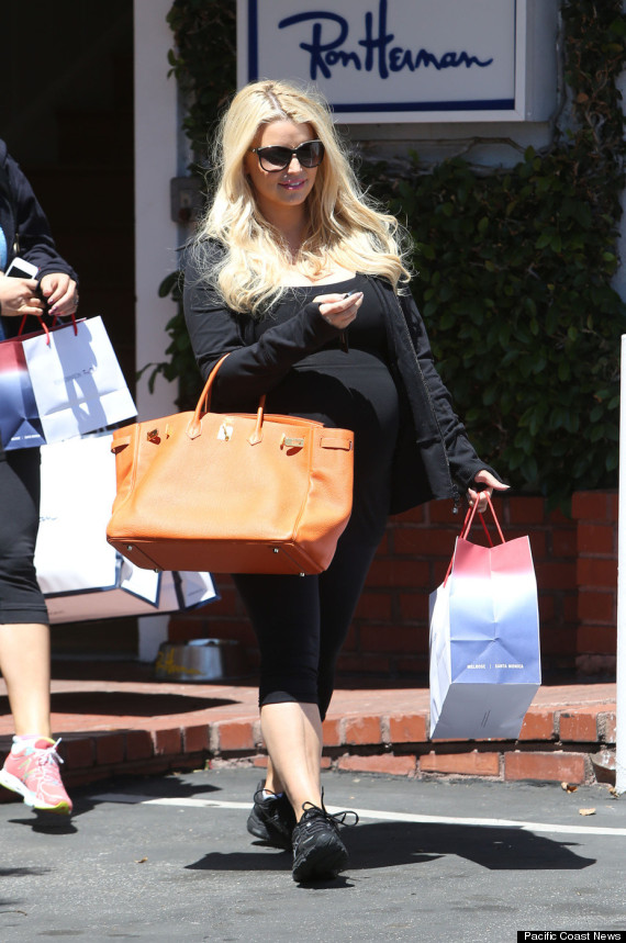 Pregnant Jessica Simpson Goes Shopping Photo Huffpost