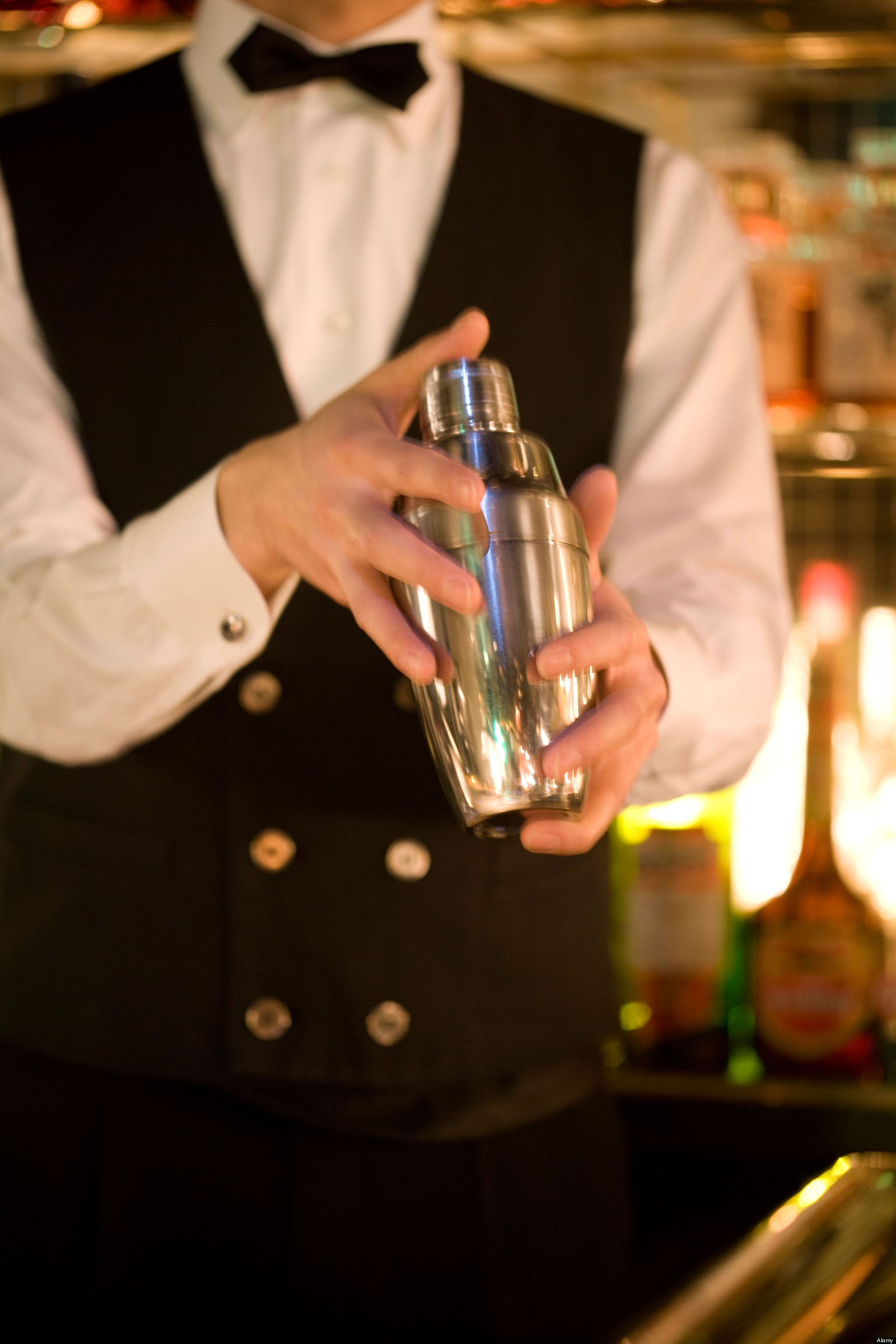 problems with dating a bartender A bartender's dating tips for happy-hour hookups, from men's health.