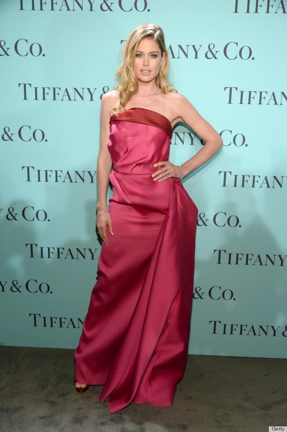 Doutzen Kroes\' Dress Was Worn By Natalie Portman At The Golden ...