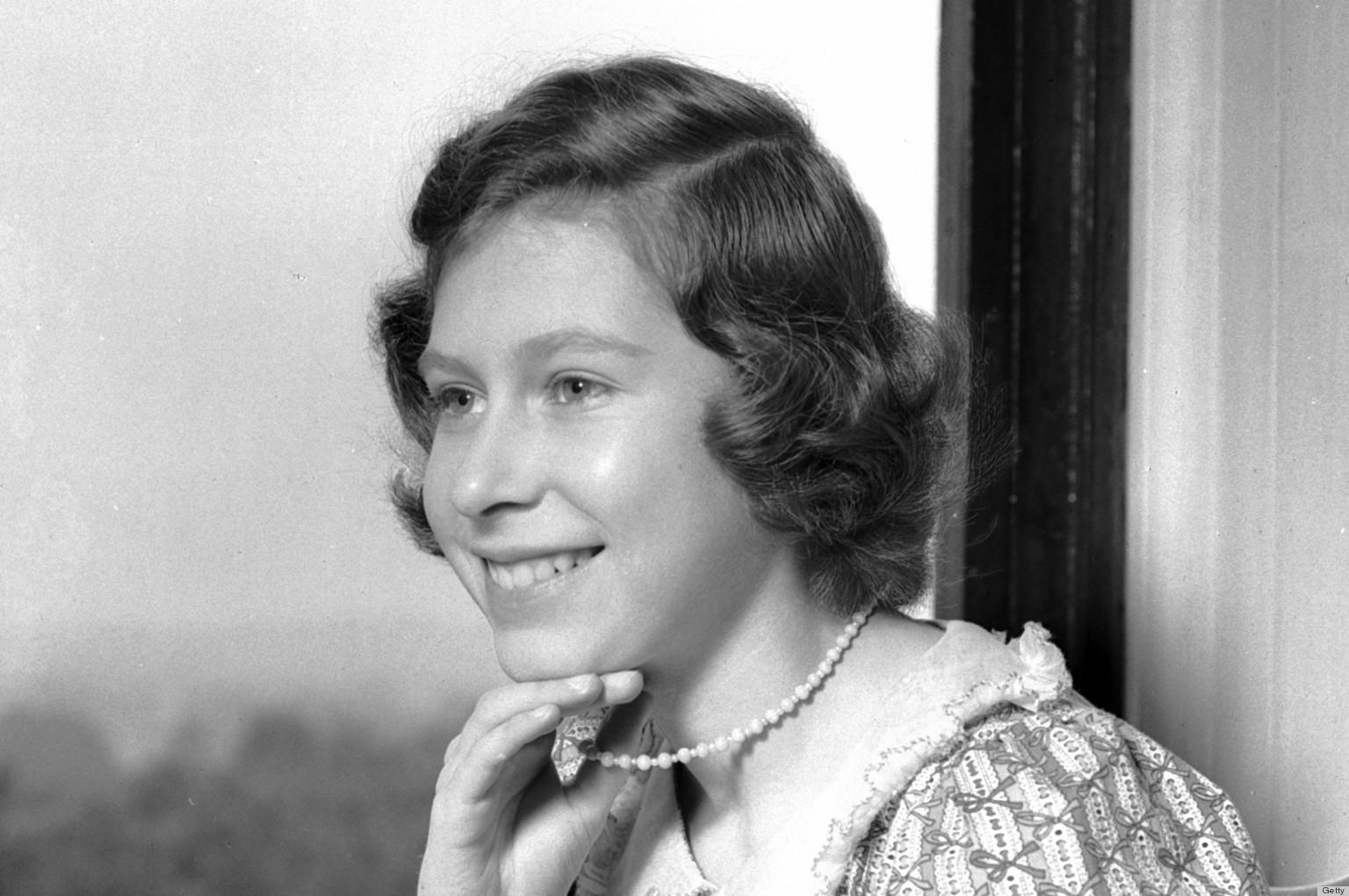 Queen Elizabeth II Was A Bookworm In Her 40s Princess
