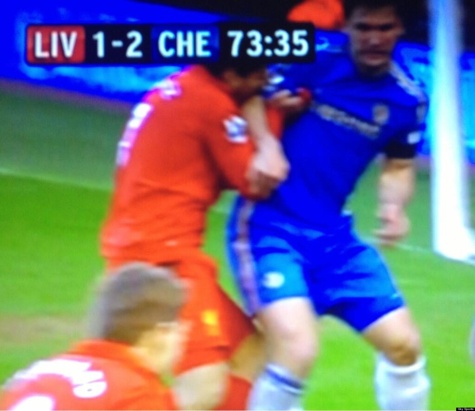 Luis Suárez Bites Branislav Ivanović During Liverpool Vs