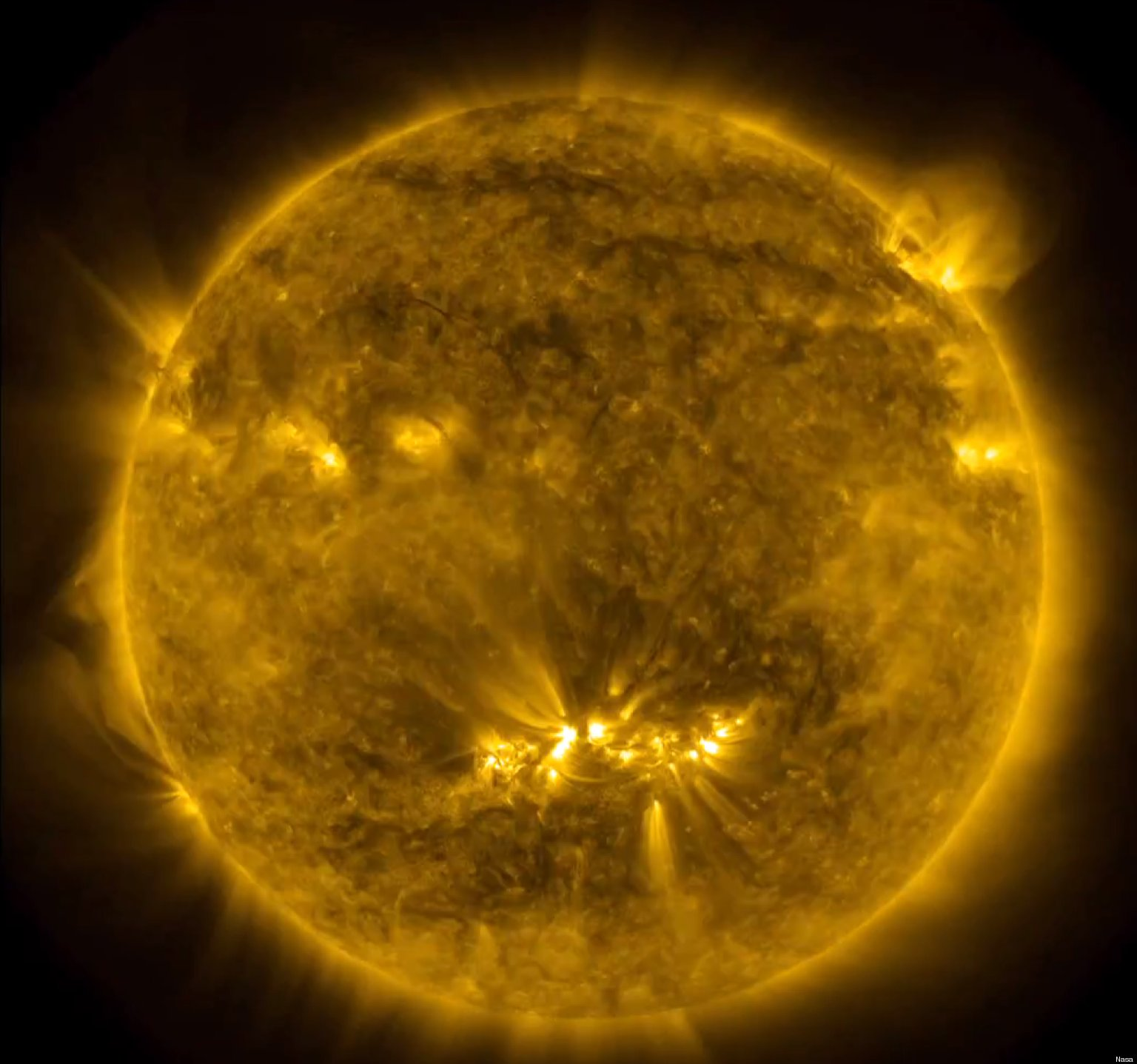Nasa Sun Timelapse Video Shows Three Years Of Solar ...