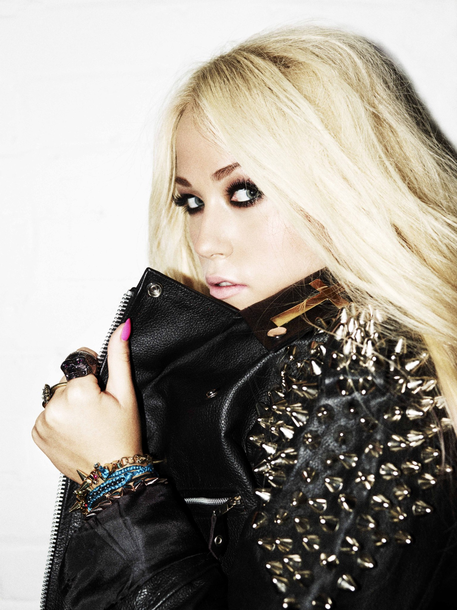 Amelia Lily On Touring With Girls Aloud And Why 'People Can Write What They Want' About Her (INTERVIEW) | HuffPost UK