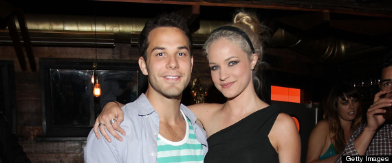 Skylar Astin And Alexis Knapp