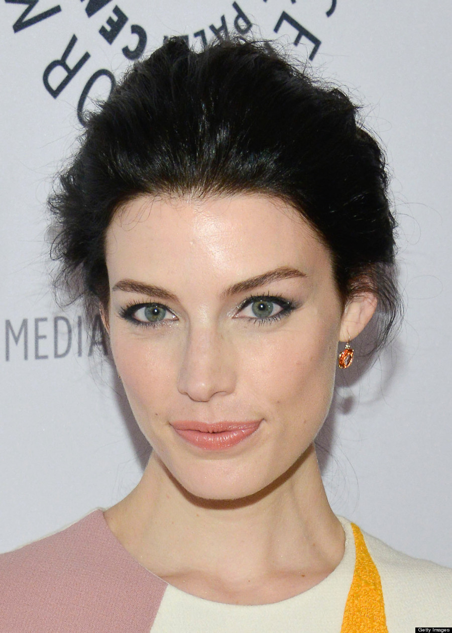 'Mad Men's' Jessica Paré Underwhelms On Red Carpet (PHOTOS