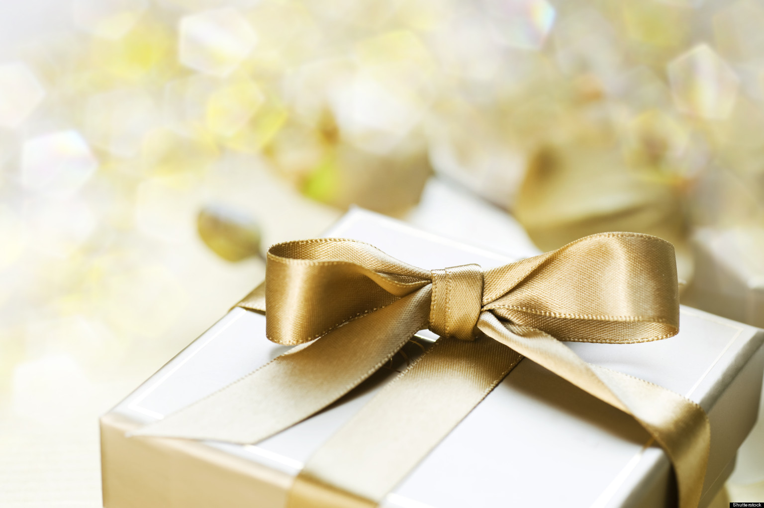 Wedding Reception Gift: Sticky Situation: Your Wedding Gift Questions Answered