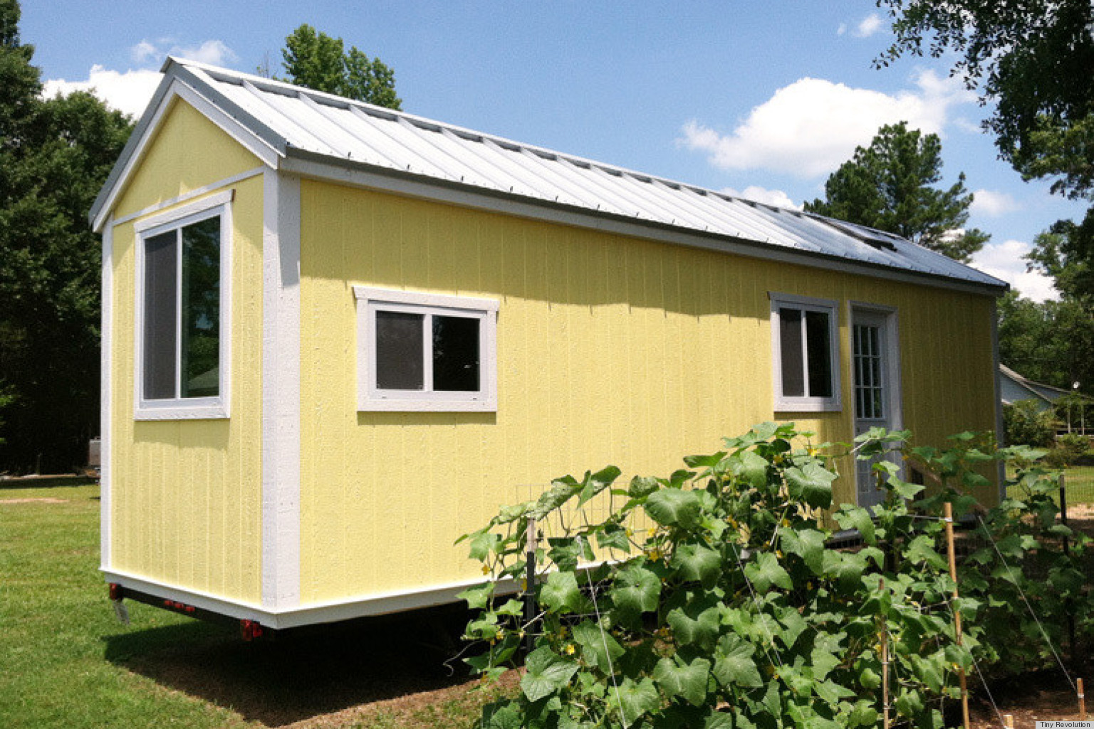 20 tiny homes from around the world photos video huffpost. Black Bedroom Furniture Sets. Home Design Ideas