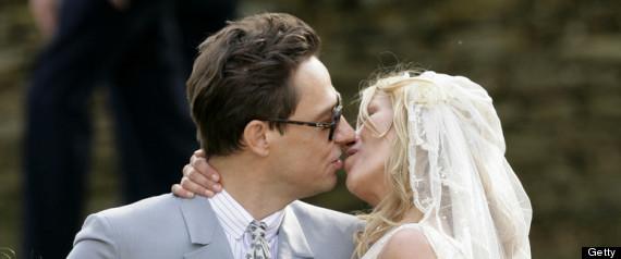 AWKWARD WEDDING KISSES