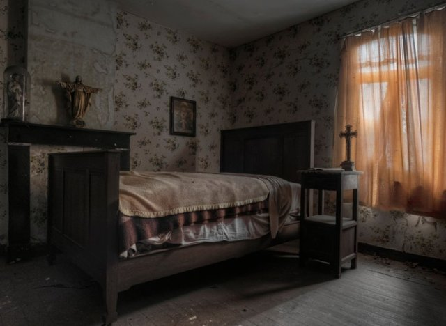 Stunning pics of an abandoned farmhouse where the bed is for Inside 4 bedroom house
