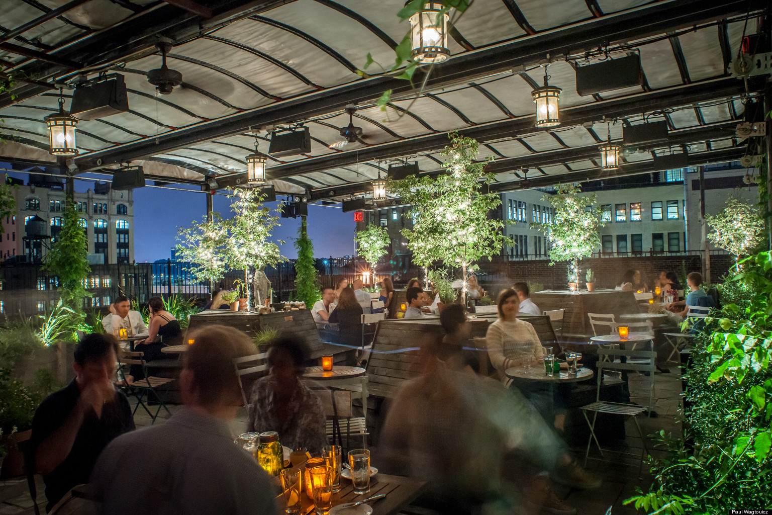 Gallow green nyc 39 s rooftop space enchants guests at for Hippest hotels in nyc