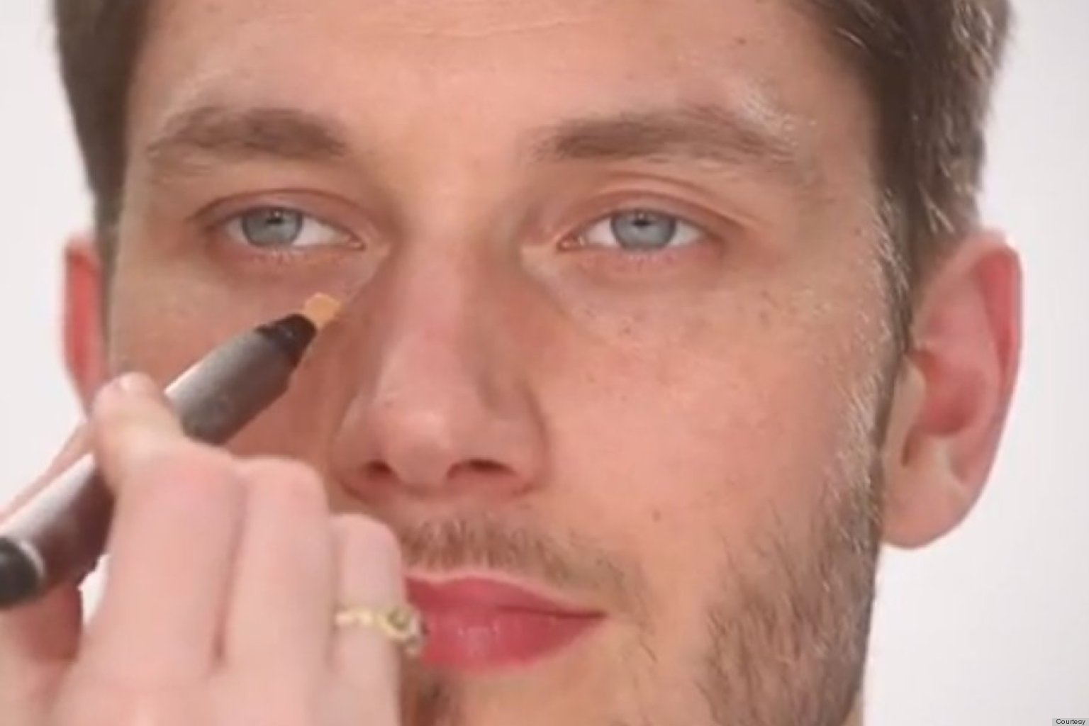 Need To products Makeup looking (VIDEO) Wearing Here's  About Know natural What Men makeup
