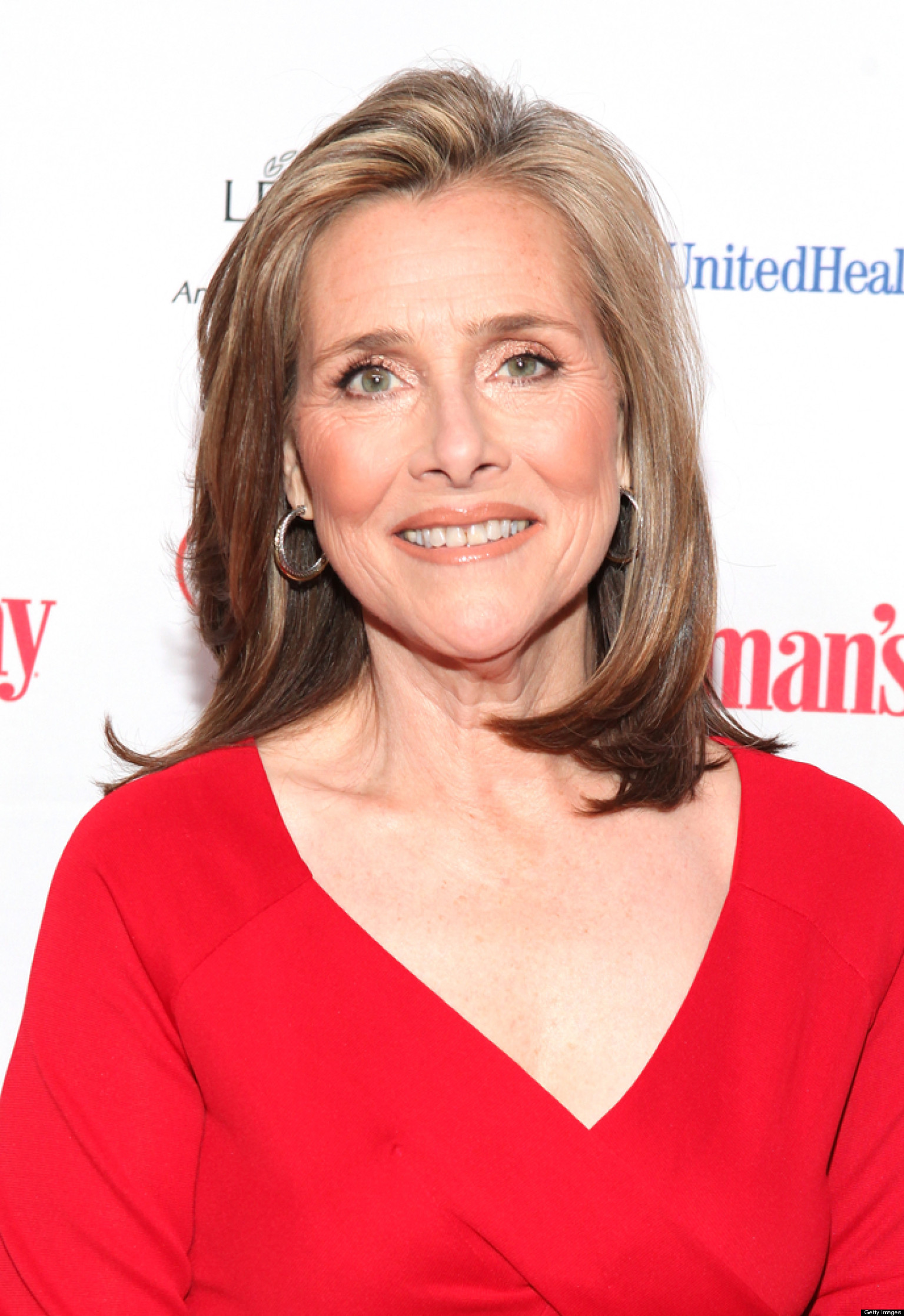 The 63-year old daughter of father Edwin Vieira and mother Mary Elsie Rosa Silveira Vieira, 160 cm tall Meredith Vieira in 2017 photo