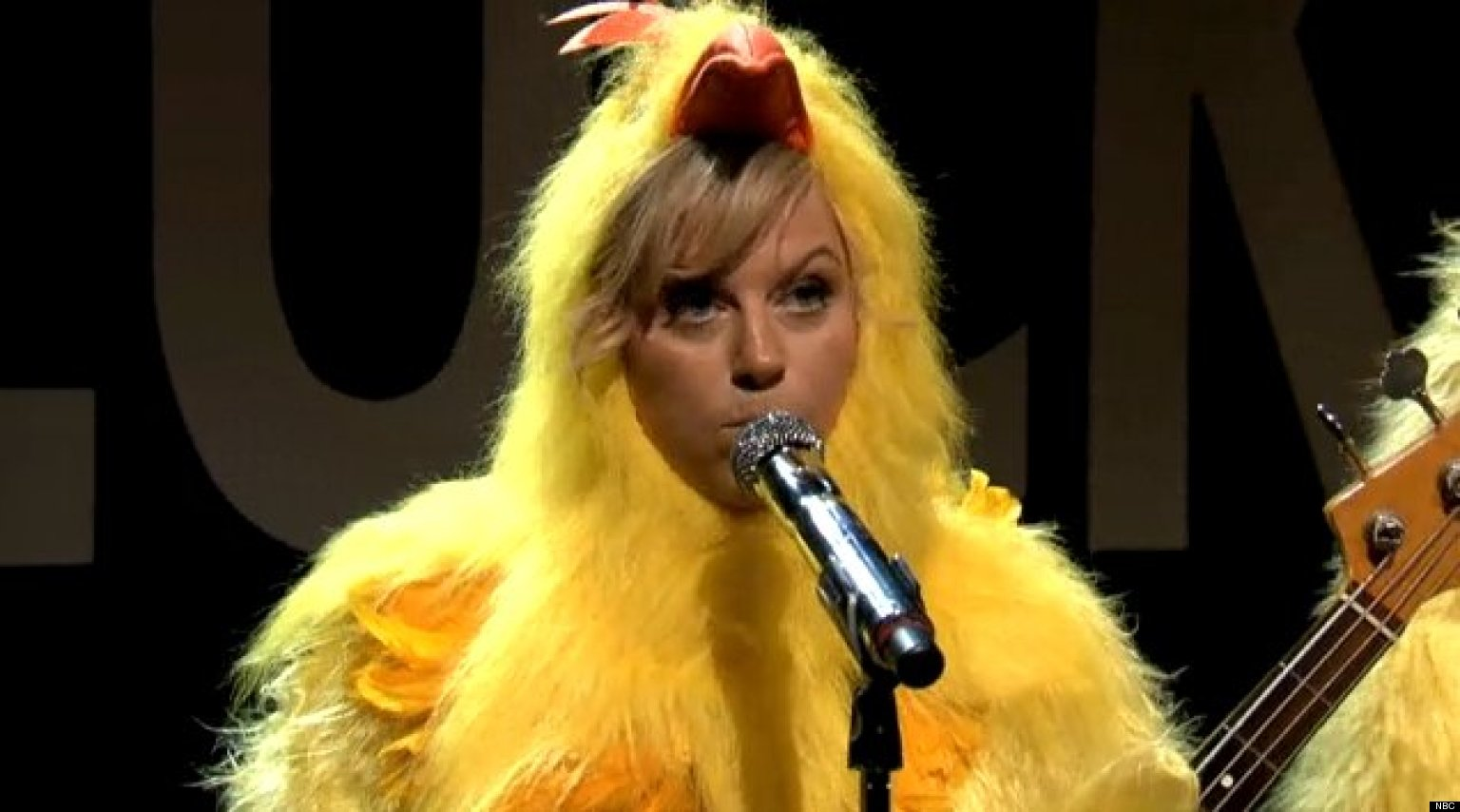 WATCH: Chicken Band Returns To 'Fallon' With Amy Poehler