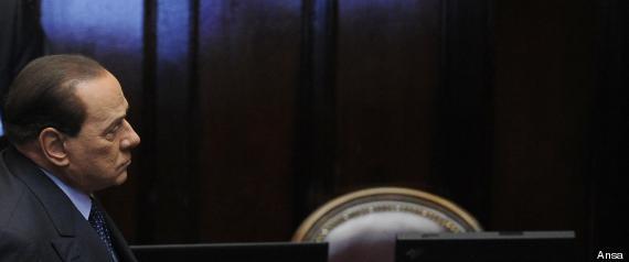 """Silvio Berlusconi chiede la guida della Convenzione per le riforme. Il Cav fa la colomba e vara l'operazione """"padre della patria"""" come ultimo scudo giudiziario."""