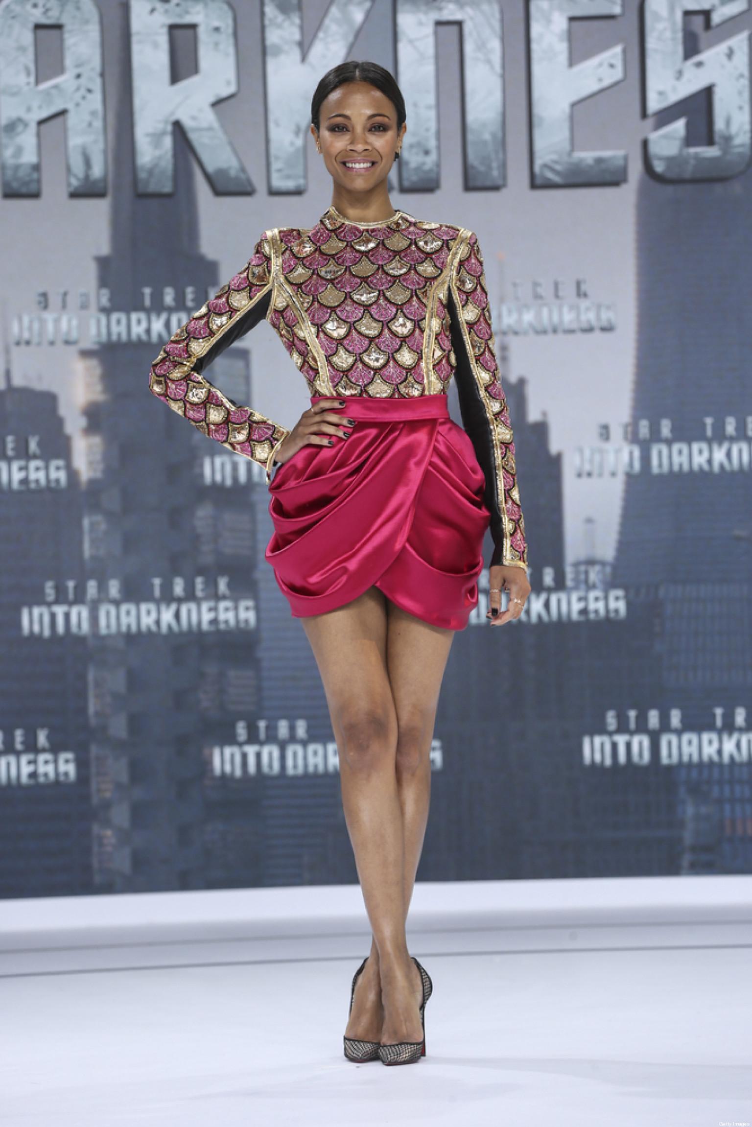 Zoe Saldana Sophisticated In A Balmain Dress At The
