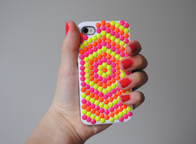 Mother's Day 2013: 8 DIY Cell Phone Cases For The Mom Who ...