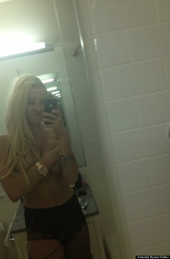 Amanda Bynes Topless 110
