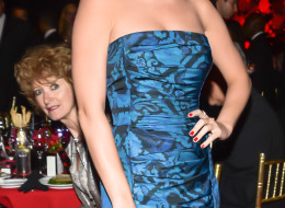 Katy Perry Photobombed By Random Woman At Charity Gala (PICTURE)