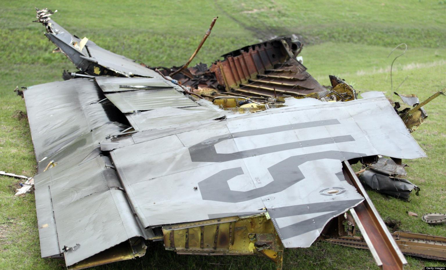 Plane Crash Bodies Photos Plane crash wreckage