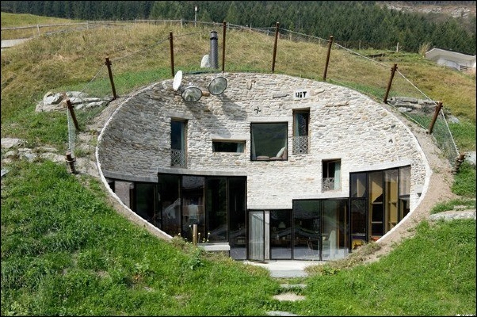 Case nella terra ecco le pi belle del mondo dalla for Foto case arredate