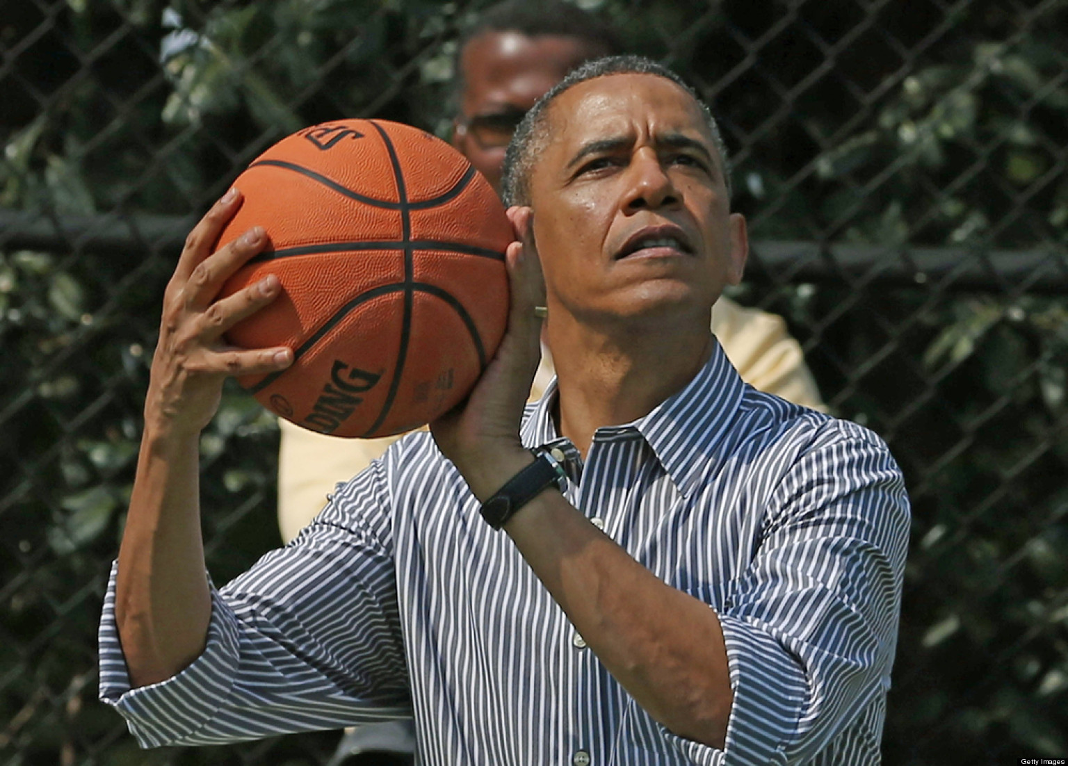 President Obama Has Shoot Off With UConn Basketball Team